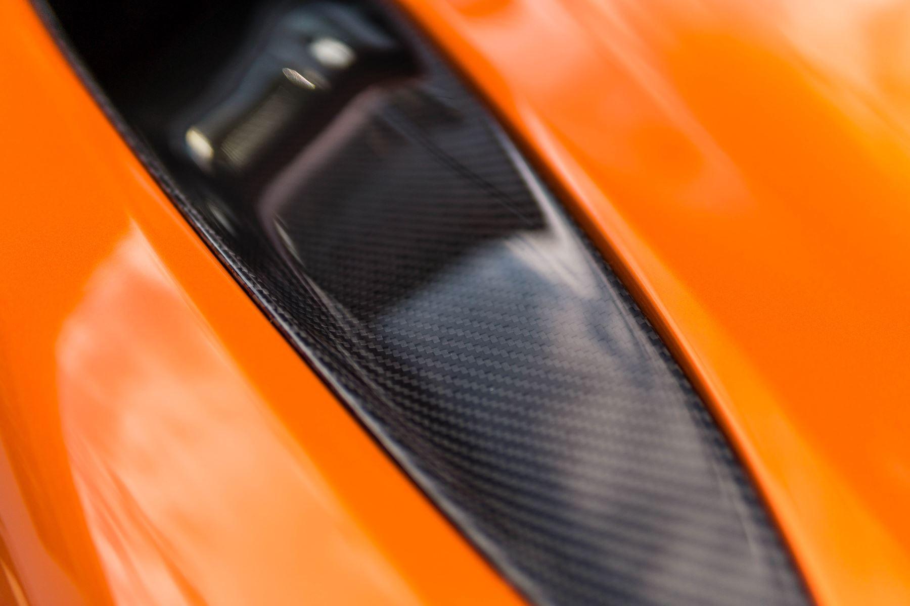 McLaren 720S V8 2dr SSG PERFORMANCE image 16